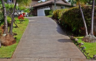 Kahana Power Cleaning of a Driveway and Patio